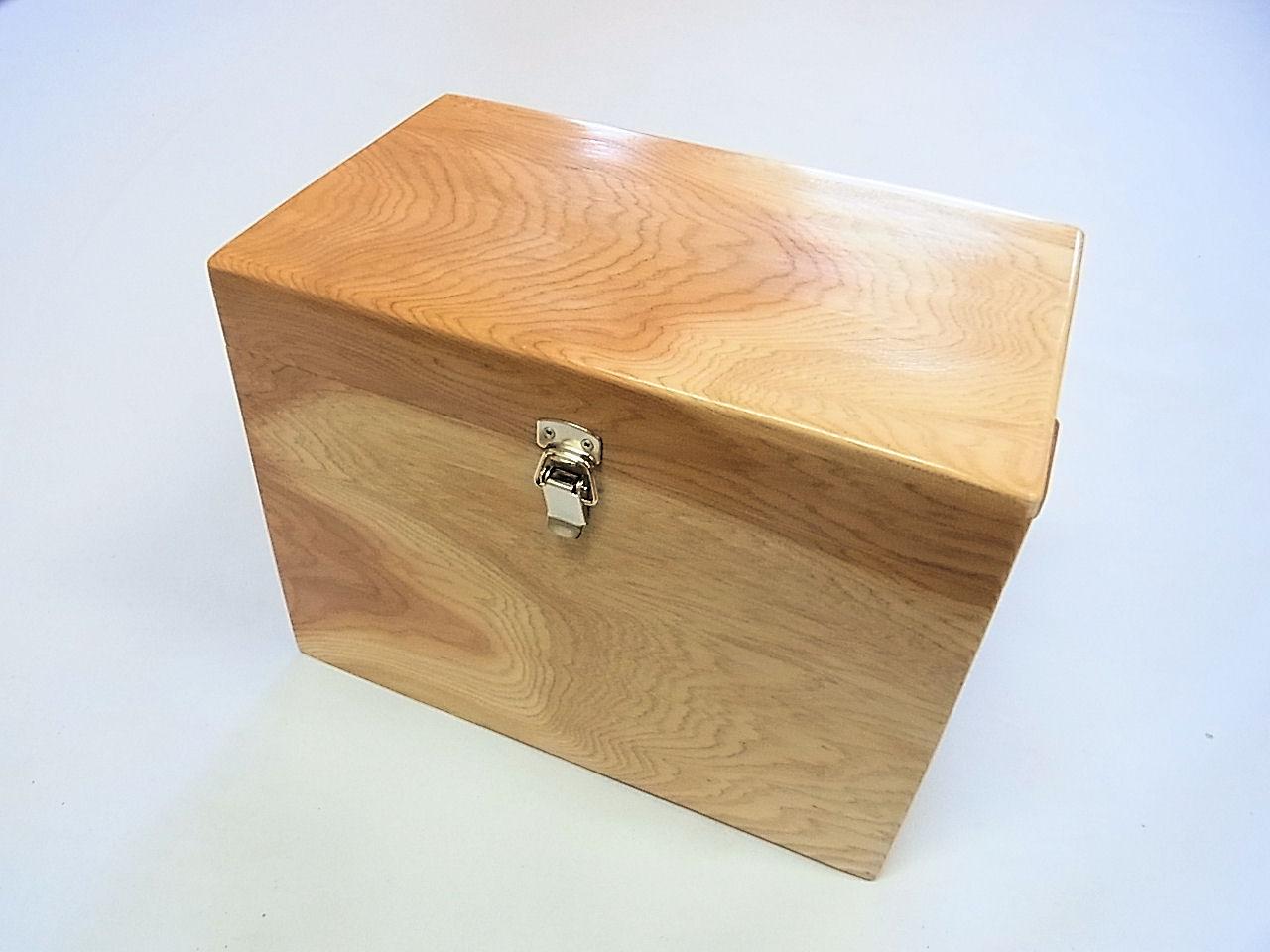 画像1: 感謝価格 35%引き! 国産杉材使用 合切箱 鏡面仕上げ なかごスライド開閉  ベルト付き