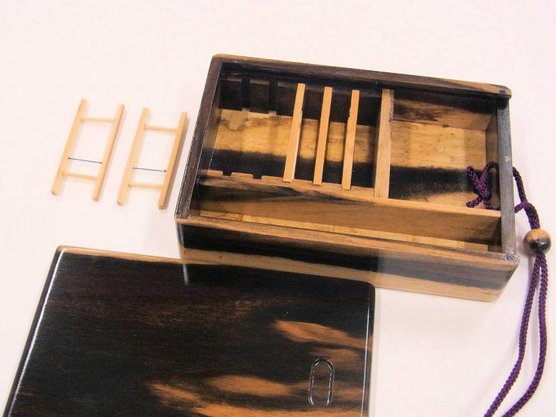 画像4: 感謝価格!黒柿材使用 黒柿瓢箪根付仕掛け小物入れ 紋竹仕掛け巻5個付き