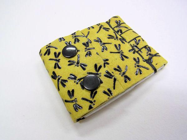 画像1: ベストフィッシングオリジナル 鹿革 印伝 漆 トンボ柄 タナゴ用針ケース