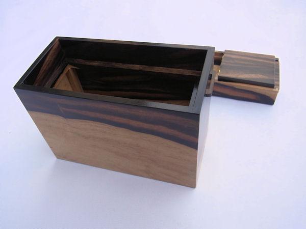 画像5: 総黒柿材使用道具箱 大 スライド開閉  ベルト付き