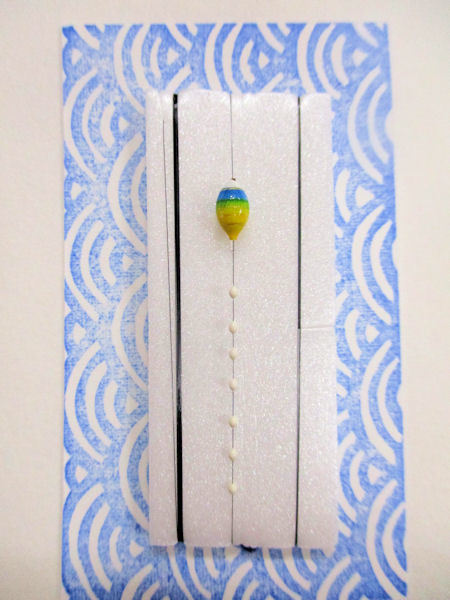 画像1: 新作黒糸使用 手作りバラタナゴ釣り用 極小彩真ん中通し仕掛け ライングラデーション藍黄 山吹