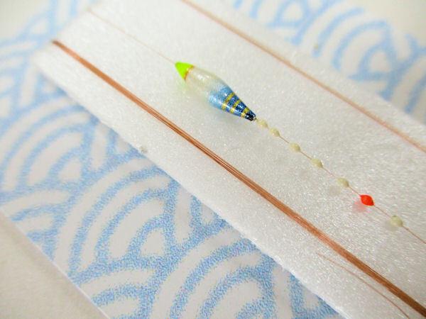 画像2: 手作りバラタナゴ釣り用 極小細身真ん中通し仕掛け ライングラデーション 白紺 モノスレッドSブラウン山吹