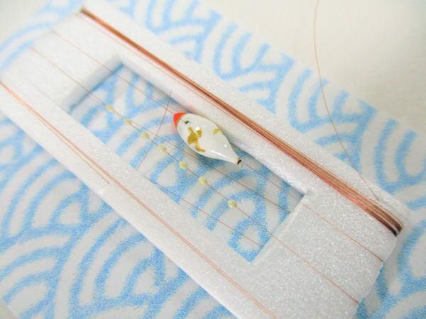 画像2: 手作りタナゴ釣り用 山吹 斜め真ん中通し仕掛け 浮き小タイプ 白金 モノスレッドSブラウン
